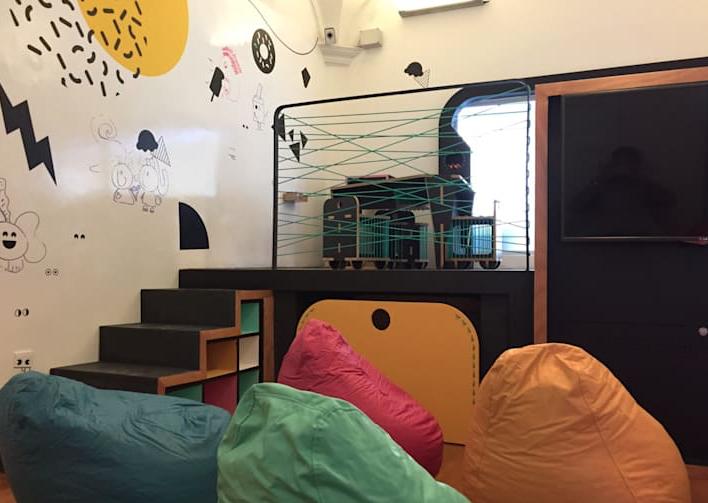 Decoração de seus ambientes usando puffs: confira nossas dicas para você