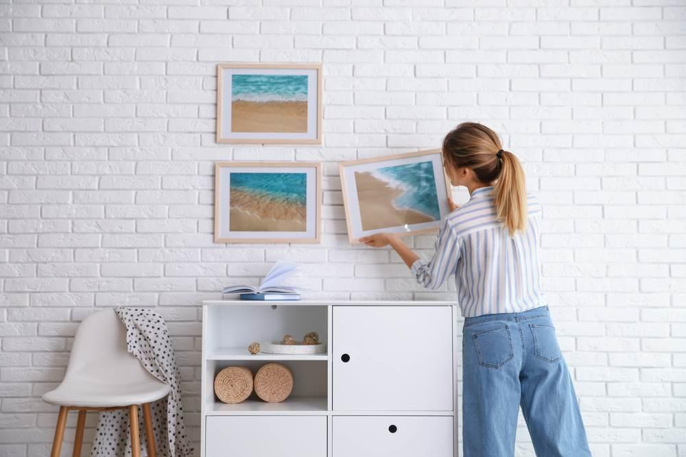 Paredes modernas: 5 tendências para sala de estar