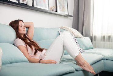 Tipos de tecido para sofá: vantagens e desvantagens
